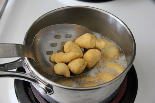 Mandlech - Jewish Traditional Fried Dumplings