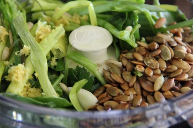 Making Spinach & Pumpkin Seed Pesto