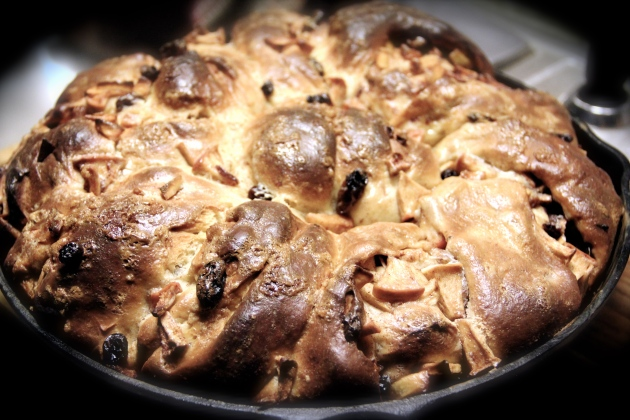 Apple Challah With Raisins