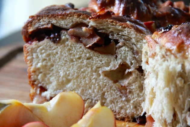 Apple Challah With Raisins - sliced
