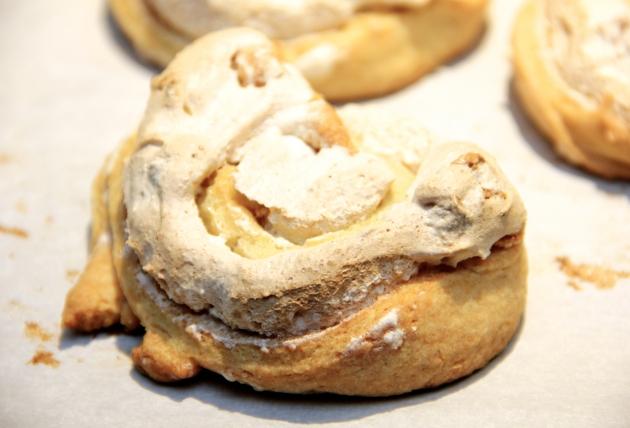 Cheese Swirls: meringue filling