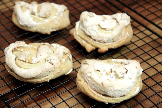 Cheese Swirls: meringue filling